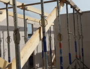 Onderslagen voor de verdiepingsvloer afgeschoord
